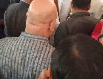 मंत्री रूद्र गुरु के पीएसओ ने जिलाध्यक्ष केशरवानी को बाहर का रास्ता दिखाया..